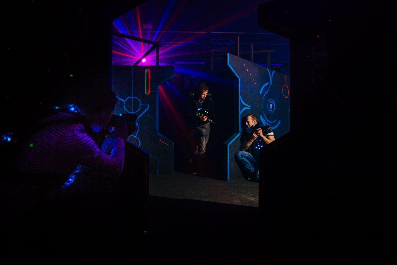 Schiet met scherp tijdens lasergamen bij ZERO55 in Enschede